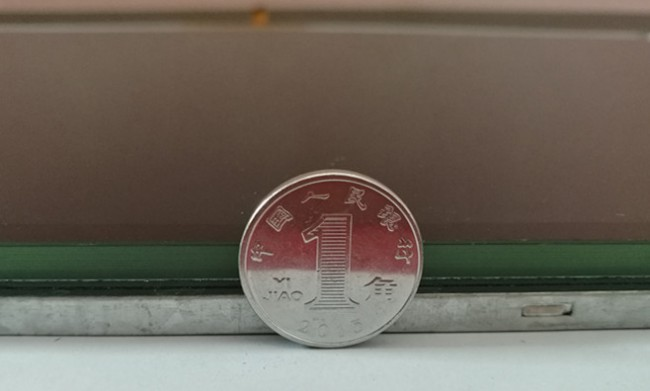 HC101F004-一体化屏厚度展示
