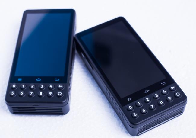 领信宝POS机/Android手持智能终端/行业品牌领跑者